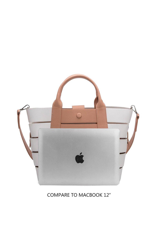 meliebiancoのCamille(Nude)ポーチ付き・バイカラートートバッグ/海外ファッション好きにオススメのインポートバッグとかばん、MelieBianco(メリービアンコ)のバッグやトートバッグ。便利なインナーバッグが付いた涼しげなトートバッグ。ボーダー柄にも見えるシースルーのデザインがとても可愛いバッグです。/main-8
