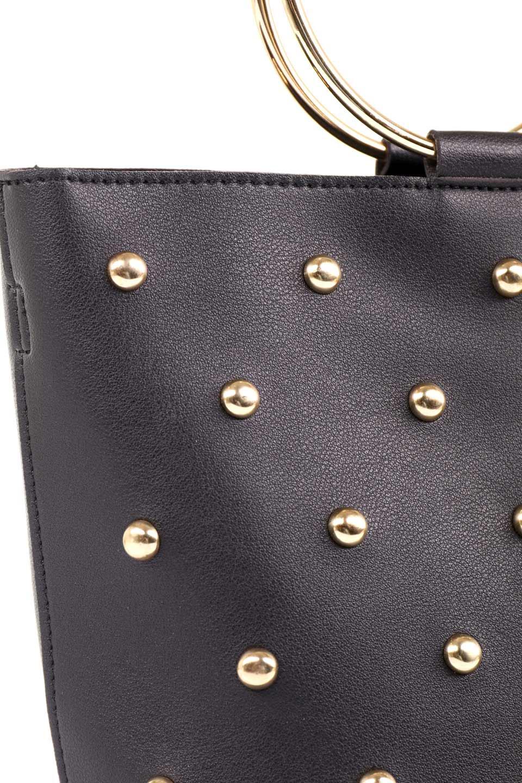 meliebiancoのMakenzie(Black)ラウンドスタッズ付・リングハンドバッグ/海外ファッション好きにオススメのインポートバッグとかばん、MelieBianco(メリービアンコ)のバッグやハンドバッグ。大きめのラウンドスタッズが可愛いリングバッグ。小ぶりなサイズ感にゴールドのリングハンドルが可愛いバッグです。/main-11