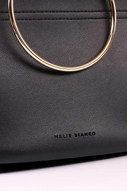 meliebiancoのMakenzie(Black)ラウンドスタッズ付・リングハンドバッグ/海外ファッション好きにオススメのインポートバッグとかばん、MelieBianco(メリービアンコ)のバッグやハンドバッグ。大きめのラウンドスタッズが可愛いリングバッグ。小ぶりなサイズ感にゴールドのリングハンドルが可愛いバッグです。/main-12