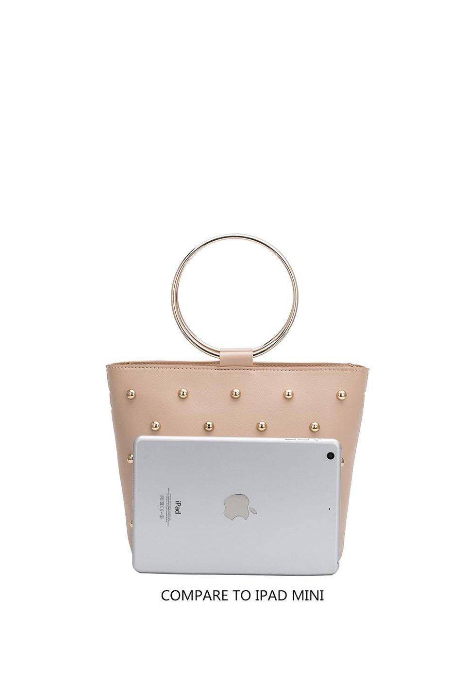 meliebiancoのMakenzie(Nude)ラウンドスタッズ付・リングハンドバッグ/海外ファッション好きにオススメのインポートバッグとかばん、MelieBianco(メリービアンコ)のバッグやハンドバッグ。大きめのラウンドスタッズが可愛いリングバッグ。小ぶりなサイズ感にゴールドのリングハンドルが可愛いバッグです。/main-5