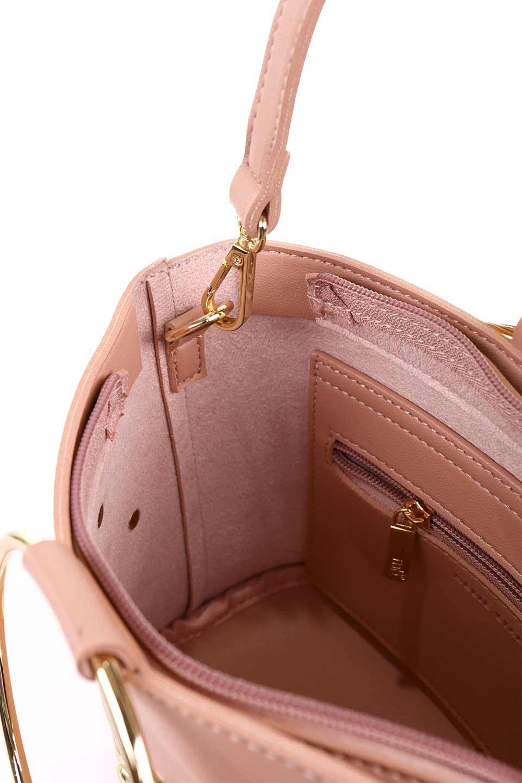 meliebiancoのMakenzie(Blush)ラウンドスタッズ付・リングハンドバッグ/海外ファッション好きにオススメのインポートバッグとかばん、MelieBianco(メリービアンコ)のバッグやハンドバッグ。大きめのラウンドスタッズが可愛いリングバッグ。小ぶりなサイズ感にゴールドのリングハンドルが可愛いバッグです。/main-12