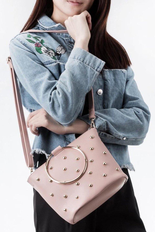 meliebiancoのMakenzie(Blush)ラウンドスタッズ付・リングハンドバッグ/海外ファッション好きにオススメのインポートバッグとかばん、MelieBianco(メリービアンコ)のバッグやハンドバッグ。大きめのラウンドスタッズが可愛いリングバッグ。小ぶりなサイズ感にゴールドのリングハンドルが可愛いバッグです。/main-5