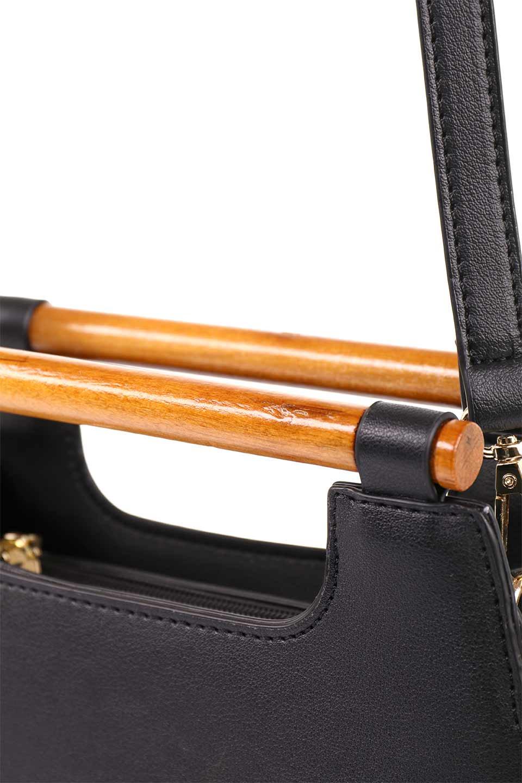 meliebiancoのIrene(Black)ウッドハンドル・ラウンドバッグ/海外ファッション好きにオススメのインポートバッグとかばん、MelieBianco(メリービアンコ)のバッグやハンドバッグ。木製の持ち手がシックで可愛いショルダータイプのラウンドバッグ。小ぶりに見えますがマチ幅もあり見た目以上の収納力があります。/main-11