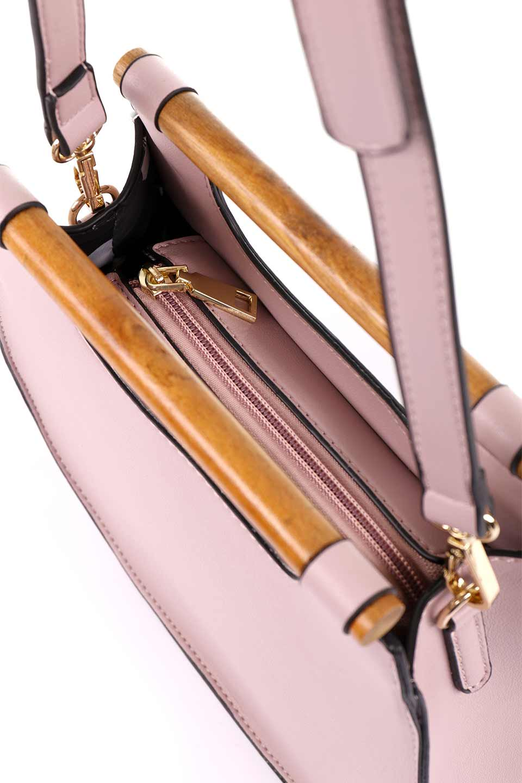 meliebiancoのIrene(Lavender)ウッドハンドル・ラウンドバッグ/海外ファッション好きにオススメのインポートバッグとかばん、MelieBianco(メリービアンコ)のバッグやハンドバッグ。木製の持ち手がシックで可愛いショルダータイプのラウンドバッグ。小ぶりに見えますがマチ幅もあり見た目以上の収納力があります。/main-13