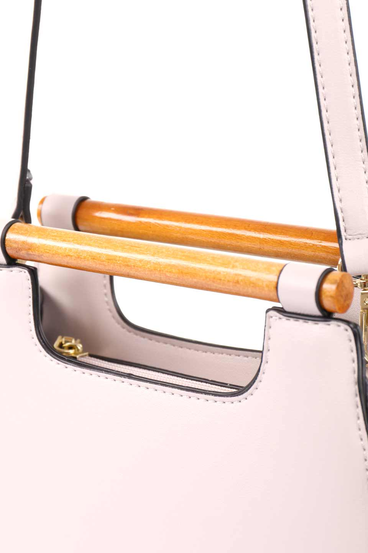 meliebiancoのIrene(Bone)ウッドハンドル・ラウンドバッグ/海外ファッション好きにオススメのインポートバッグとかばん、MelieBianco(メリービアンコ)のバッグやハンドバッグ。木製の持ち手がシックで可愛いショルダータイプのラウンドバッグ。小ぶりに見えますがマチ幅もあり見た目以上の収納力があります。/main-10