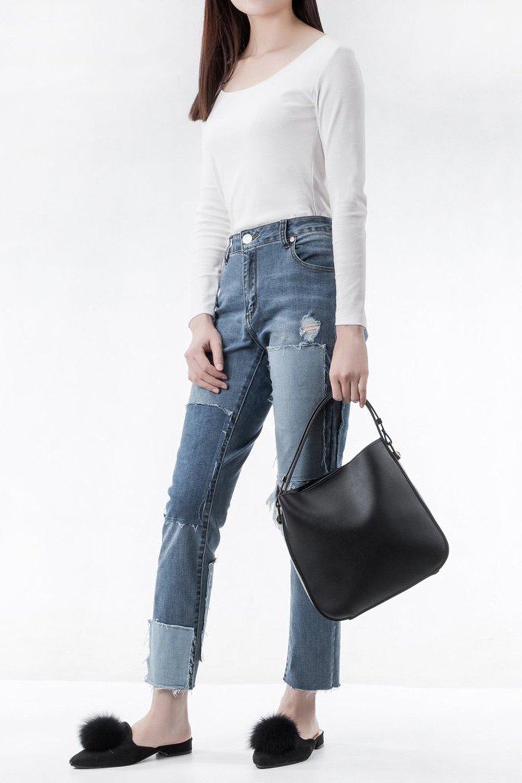 meliebiancoのEmery(Black)スクエアシルエット・ハンドバッグ/海外ファッション好きにオススメのインポートバッグとかばん、MelieBianco(メリービアンコ)のバッグやハンドバッグ。スッキリデザインのシンプルハンドバッグ。iPadなら縦でも横でもOK。/main-6