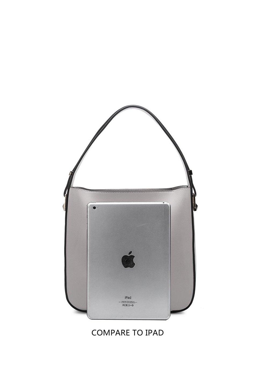 meliebiancoのEmery(Black)スクエアシルエット・ハンドバッグ/海外ファッション好きにオススメのインポートバッグとかばん、MelieBianco(メリービアンコ)のバッグやハンドバッグ。スッキリデザインのシンプルハンドバッグ。iPadなら縦でも横でもOK。/main-7