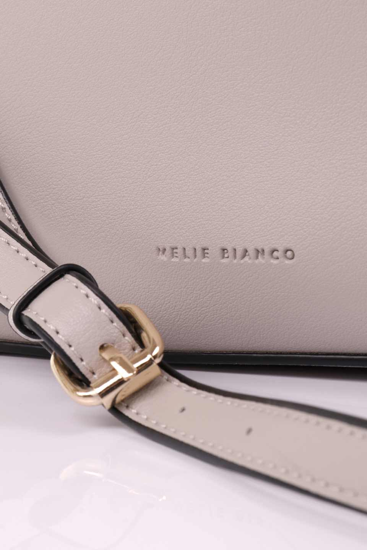 meliebiancoのEmery(Bone)スクエアシルエット・ハンドバッグ/海外ファッション好きにオススメのインポートバッグとかばん、MelieBianco(メリービアンコ)のバッグやハンドバッグ。スッキリデザインのシンプルハンドバッグ。iPadなら縦でも横でもOK。/main-10