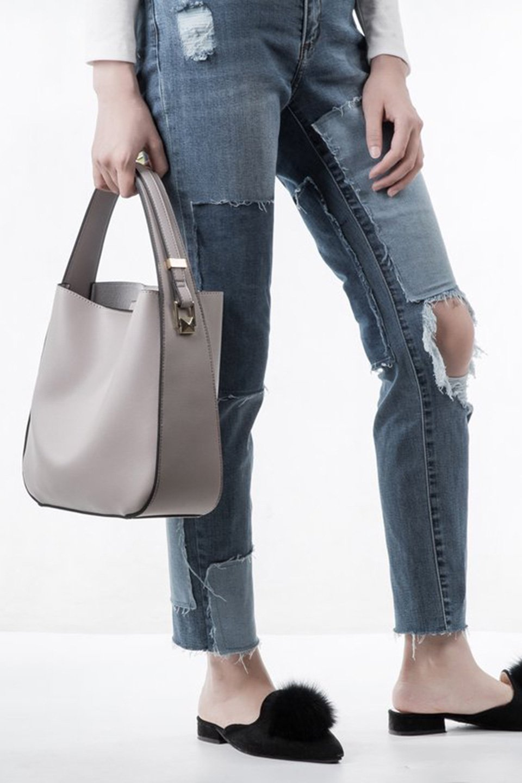 meliebiancoのEmery(Bone)スクエアシルエット・ハンドバッグ/海外ファッション好きにオススメのインポートバッグとかばん、MelieBianco(メリービアンコ)のバッグやハンドバッグ。スッキリデザインのシンプルハンドバッグ。iPadなら縦でも横でもOK。/main-6