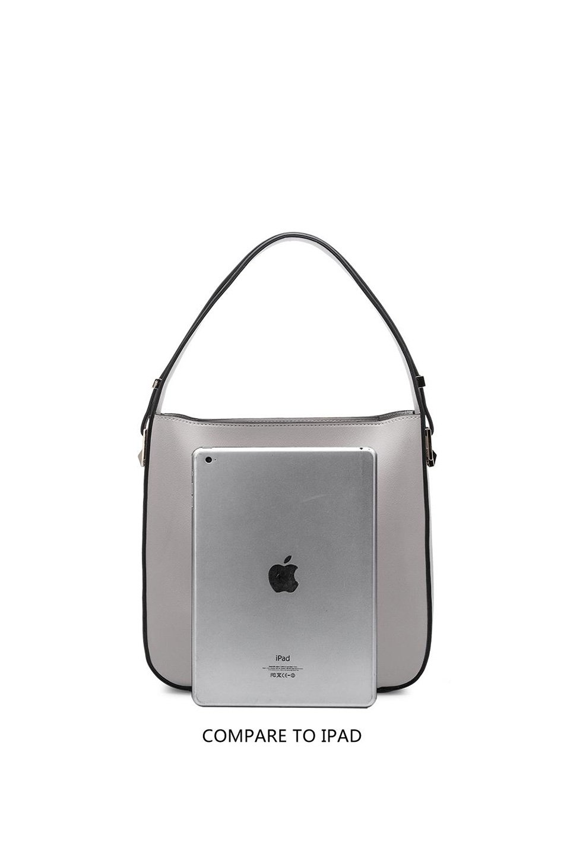 meliebiancoのEmery(Bone)スクエアシルエット・ハンドバッグ/海外ファッション好きにオススメのインポートバッグとかばん、MelieBianco(メリービアンコ)のバッグやハンドバッグ。スッキリデザインのシンプルハンドバッグ。iPadなら縦でも横でもOK。/main-7