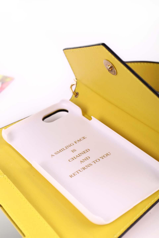 STARRYのFunctionalCase(Camel)//foriPhone8,7,6s,6/iPhoneケースのレディースブランド、STARRY(スターリー)のテックアクセサリーや。STARRYの中でも人気のシルエットをアップデートしたスマホケース。内側と外側の色のコンビネーションが可愛いデザインです。/main-21