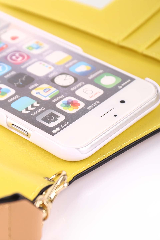 STARRYのFunctionalCase(Camel)//foriPhone8,7,6s,6/iPhoneケースのレディースブランド、STARRY(スターリー)のテックアクセサリーや。STARRYの中でも人気のシルエットをアップデートしたスマホケース。内側と外側の色のコンビネーションが可愛いデザインです。/main-22