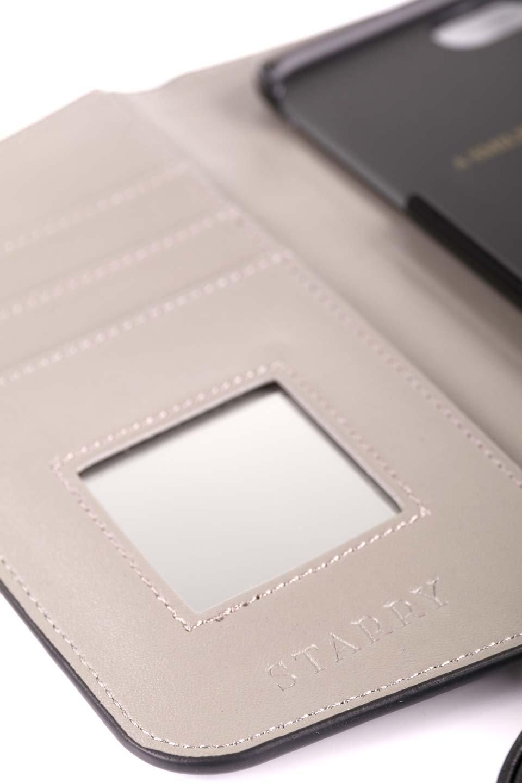 STARRYのSimple+(Black)//foriPhoneX,8,7,6s,6/iPhoneケースのレディースブランド、STARRY(スターリー)のテックアクセサリーや。モダンなデザインで大人っぽさを感じるiPhoneケース。ブラックは艶やかなエコレザーを、カーキはシックなベロア調の素材を使用しています。/main-14