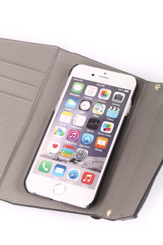 STARRYのSimple+(Black)//foriPhoneX,8,7,6s,6/iPhoneケースのレディースブランド、STARRY(スターリー)のテックアクセサリーや。モダンなデザインで大人っぽさを感じるiPhoneケース。ブラックは艶やかなエコレザーを、カーキはシックなベロア調の素材を使用しています。/main-17