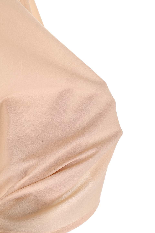 ShirredVNeckBalloonSleeveblouseバルーンスリーブブラウス大人カジュアルに最適な海外ファッションのothers(その他インポートアイテム)のトップスやシャツ・ブラウス。ドルマン風のゆったりとした袖が特徴の春ブラウス。背中から胸にかけてのシャーリングで動きやすいアイテムです。/main-25