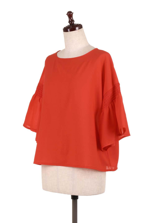 FlaredSleeveBlouseフレアスリーブ・シャーリングブラウス大人カジュアルに最適な海外ファッションのothers(その他インポートアイテム)のトップスやシャツ・ブラウス。ひらひらのフレアスリーブと透け感のある生地の春夏ブラウス。広がった袖口と絞りすぎないシャーリングがポイントのブラウスです。/main-11
