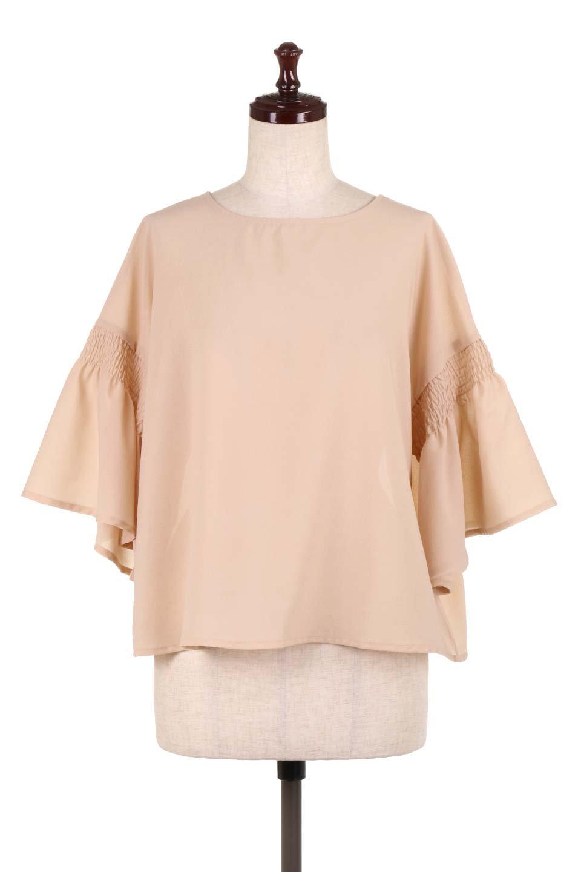 FlaredSleeveBlouseフレアスリーブ・シャーリングブラウス大人カジュアルに最適な海外ファッションのothers(その他インポートアイテム)のトップスやシャツ・ブラウス。ひらひらのフレアスリーブと透け感のある生地の春夏ブラウス。広がった袖口と絞りすぎないシャーリングがポイントのブラウスです。/main-5