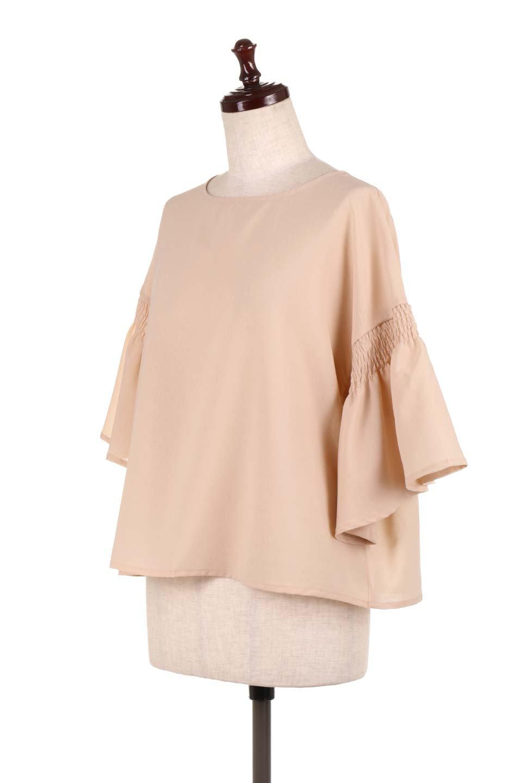 FlaredSleeveBlouseフレアスリーブ・シャーリングブラウス大人カジュアルに最適な海外ファッションのothers(その他インポートアイテム)のトップスやシャツ・ブラウス。ひらひらのフレアスリーブと透け感のある生地の春夏ブラウス。広がった袖口と絞りすぎないシャーリングがポイントのブラウスです。/main-6