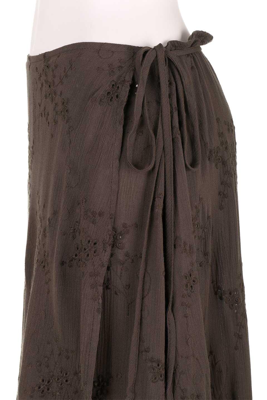 LOVESTITCHのZadieWrapSkirt総刺繍・マキシラップスカート/海外ファッションが好きな大人カジュアルのためのLOVESTITCH(ラブステッチ)のボトムやスカート。大人の夏コーデで活躍しそうなマキシ丈のラップスカート。控え目ながら全体に入った刺繍が「ちょっと高そう」感を匂わせます。/main-10
