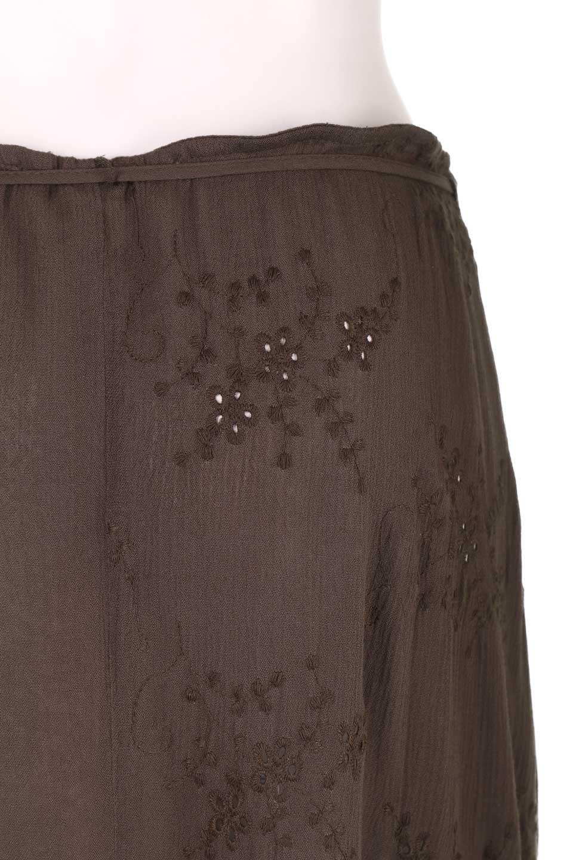 LOVESTITCHのZadieWrapSkirt総刺繍・マキシラップスカート/海外ファッションが好きな大人カジュアルのためのLOVESTITCH(ラブステッチ)のボトムやスカート。大人の夏コーデで活躍しそうなマキシ丈のラップスカート。控え目ながら全体に入った刺繍が「ちょっと高そう」感を匂わせます。/main-11