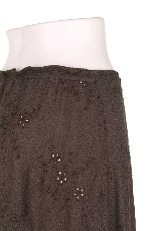 LOVESTITCHのZadieWrapSkirt総刺繍・マキシラップスカート/海外ファッションが好きな大人カジュアルのためのLOVESTITCH(ラブステッチ)のボトムやスカート。大人の夏コーデで活躍しそうなマキシ丈のラップスカート。控え目ながら全体に入った刺繍が「ちょっと高そう」感を匂わせます。/main-13