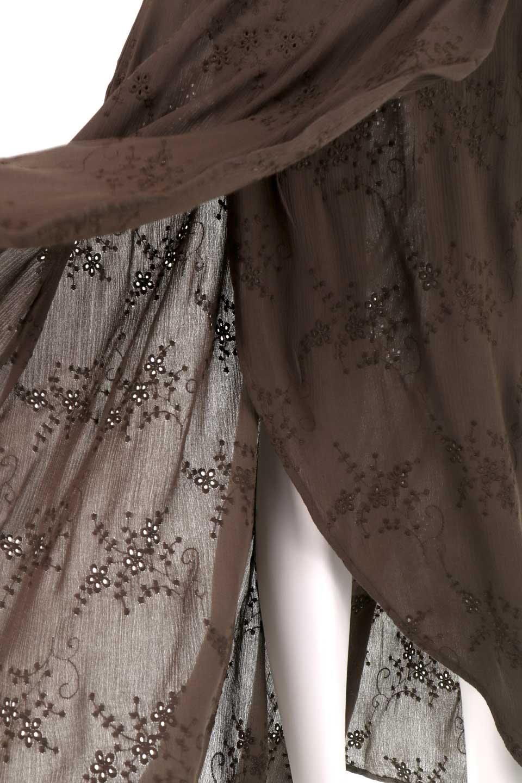 LOVESTITCHのZadieWrapSkirt総刺繍・マキシラップスカート/海外ファッションが好きな大人カジュアルのためのLOVESTITCH(ラブステッチ)のボトムやスカート。大人の夏コーデで活躍しそうなマキシ丈のラップスカート。控え目ながら全体に入った刺繍が「ちょっと高そう」感を匂わせます。/main-16