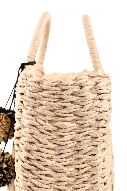 meliebiancoのErin(Natural)半円型かごバッグ/海外ファッション好きにオススメのインポートバッグとかばん、MelieBianco(メリービアンコ)のバッグやその他。真夏の太陽が恋しくなるようなオシャレなかごバッグ。持ち手から延びる放射状の網目が目を引きます。/main-13
