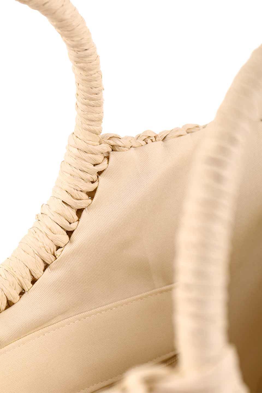 meliebiancoのErin(Natural)半円型かごバッグ/海外ファッション好きにオススメのインポートバッグとかばん、MelieBianco(メリービアンコ)のバッグやその他。真夏の太陽が恋しくなるようなオシャレなかごバッグ。持ち手から延びる放射状の網目が目を引きます。/main-15