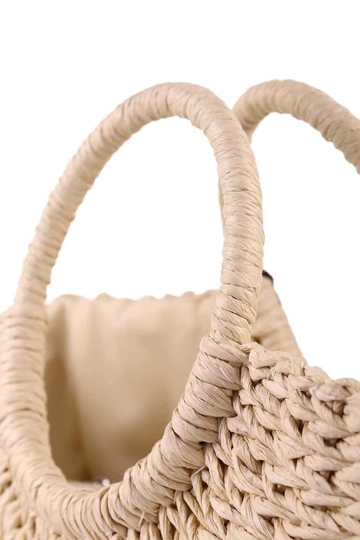 meliebiancoのErin(Natural)半円型かごバッグ/海外ファッション好きにオススメのインポートバッグとかばん、MelieBianco(メリービアンコ)のバッグやその他。真夏の太陽が恋しくなるようなオシャレなかごバッグ。持ち手から延びる放射状の網目が目を引きます。/main-7