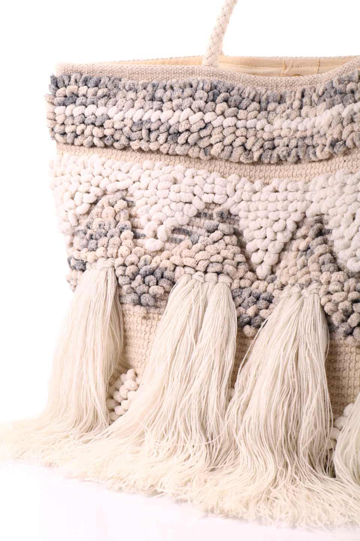 LOVESTITCHのTrudieToteジグザグストライプ・フリンジトートバッグ/海外ファッションが好きな大人カジュアルのためのLOVESTITCH(ラブステッチ)のバッグやトートバッグ。ジグザグ柄にたっぷり目のフリンジが可愛らしい大き目トートバッグ。明るめのカラーリングにロープの持ち手でマリン系の雰囲気もあり、西海岸風のカジュアル好きにはたまらないアイテムです。/main-13