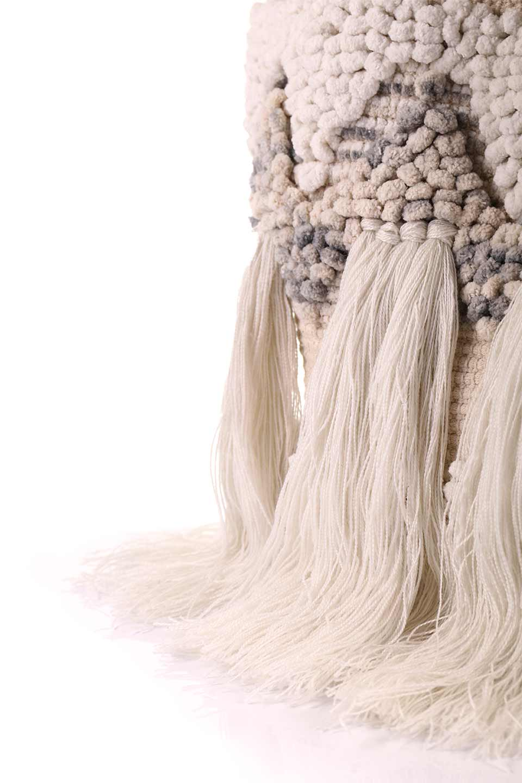 LOVESTITCHのTrudieToteジグザグストライプ・フリンジトートバッグ/海外ファッションが好きな大人カジュアルのためのLOVESTITCH(ラブステッチ)のバッグやトートバッグ。ジグザグ柄にたっぷり目のフリンジが可愛らしい大き目トートバッグ。明るめのカラーリングにロープの持ち手でマリン系の雰囲気もあり、西海岸風のカジュアル好きにはたまらないアイテムです。/main-17