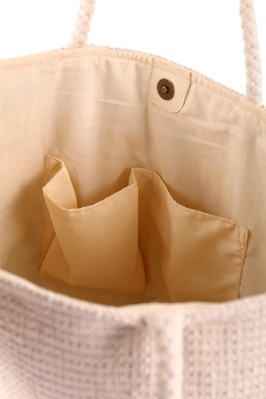 LOVESTITCHのTrudieToteジグザグストライプ・フリンジトートバッグ/海外ファッションが好きな大人カジュアルのためのLOVESTITCH(ラブステッチ)のバッグやトートバッグ。ジグザグ柄にたっぷり目のフリンジが可愛らしい大き目トートバッグ。明るめのカラーリングにロープの持ち手でマリン系の雰囲気もあり、西海岸風のカジュアル好きにはたまらないアイテムです。/main-20
