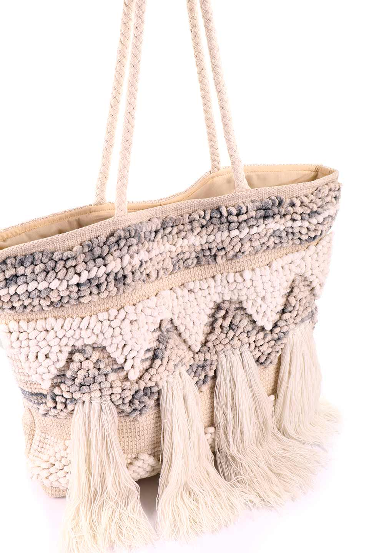 LOVESTITCHのTrudieToteジグザグストライプ・フリンジトートバッグ/海外ファッションが好きな大人カジュアルのためのLOVESTITCH(ラブステッチ)のバッグやトートバッグ。ジグザグ柄にたっぷり目のフリンジが可愛らしい大き目トートバッグ。明るめのカラーリングにロープの持ち手でマリン系の雰囲気もあり、西海岸風のカジュアル好きにはたまらないアイテムです。/main-8