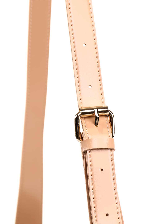 meliebiancoのMercer(Nude)ポーチ付きパテントショルダーバッグ/海外ファッション好きにオススメのインポートバッグとかばん、MelieBianco(メリービアンコ)のバッグやショルダーバッグ。艶やかなパテントビーガンレザーを使用したショルダーバッグ。艶とメッシュの涼しげなバッグです。/main-12