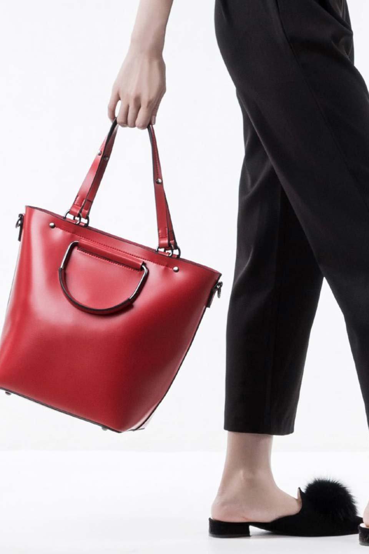 meliebiancoのBlanche(Red)グロスレザー・3WAYハンドバッグ/海外ファッション好きにオススメのインポートバッグとかばん、MelieBianco(メリービアンコ)のバッグやハンドバッグ。しっとりとしたグロスタイプのビーガンレザーを使用した高級感あふれるハンドバッグ。予約の時より店頭で実物をご覧になった方達に人気があるバッグです。/main-8