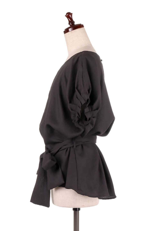 SlubGauzeDolmanBlouseレーヨンスラブガーゼ・ドルマンブラウス大人カジュアルに最適な海外ファッションのothers(その他インポートアイテム)のトップスやシャツ・ブラウス。ムラ糸を使用した夏素材が嬉しいドルマンスリーブのブラウス。生地はレーヨン100%のスラブガーゼでテロテロの質感がです。/main-17