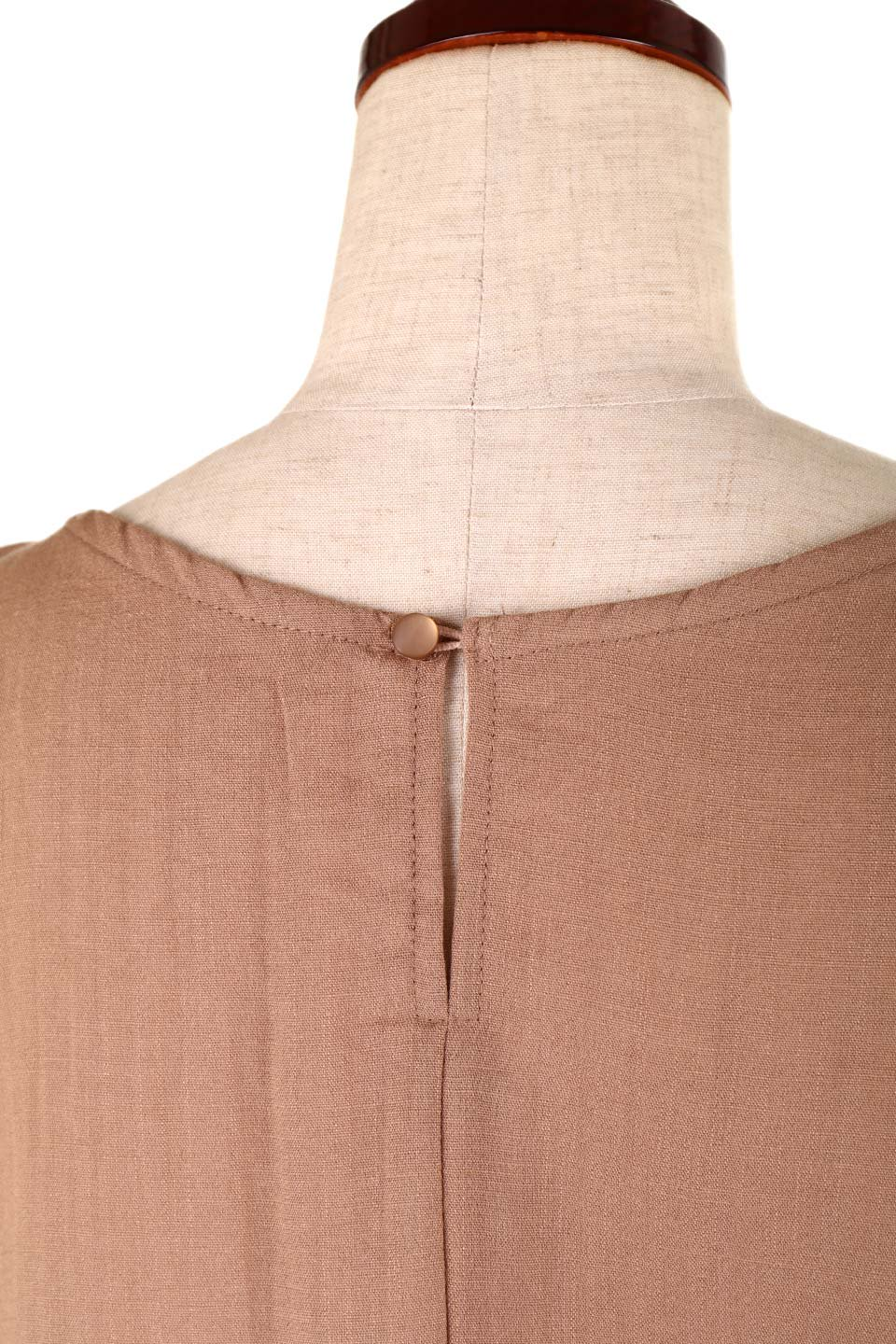 SlubGauzeDolmanBlouseレーヨンスラブガーゼ・ドルマンブラウス大人カジュアルに最適な海外ファッションのothers(その他インポートアイテム)のトップスやシャツ・ブラウス。ムラ糸を使用した夏素材が嬉しいドルマンスリーブのブラウス。生地はレーヨン100%のスラブガーゼでテロテロの質感がです。/main-30