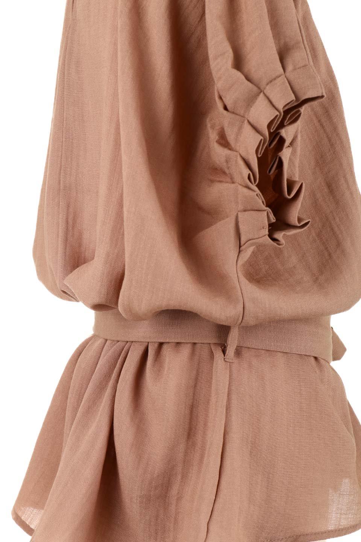 SlubGauzeDolmanBlouseレーヨンスラブガーゼ・ドルマンブラウス大人カジュアルに最適な海外ファッションのothers(その他インポートアイテム)のトップスやシャツ・ブラウス。ムラ糸を使用した夏素材が嬉しいドルマンスリーブのブラウス。生地はレーヨン100%のスラブガーゼでテロテロの質感がです。/main-32