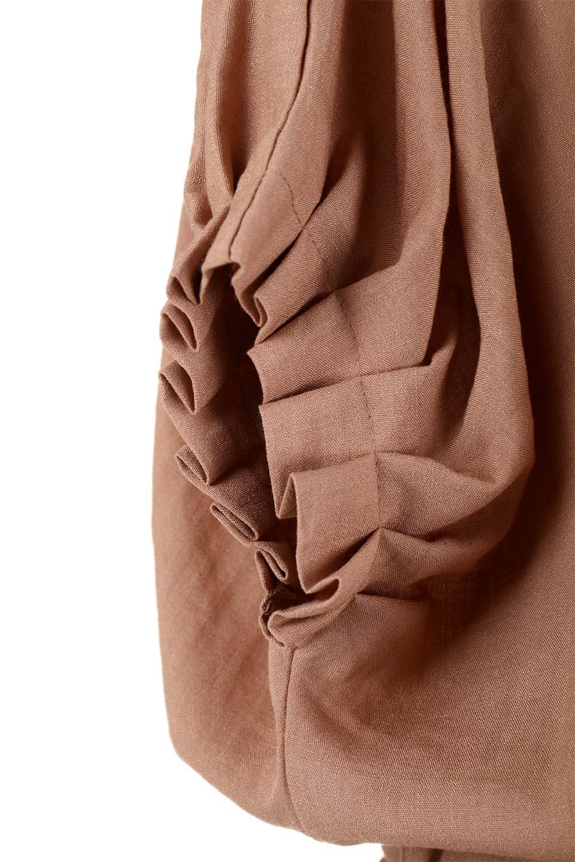 SlubGauzeDolmanBlouseレーヨンスラブガーゼ・ドルマンブラウス大人カジュアルに最適な海外ファッションのothers(その他インポートアイテム)のトップスやシャツ・ブラウス。ムラ糸を使用した夏素材が嬉しいドルマンスリーブのブラウス。生地はレーヨン100%のスラブガーゼでテロテロの質感がです。/main-33