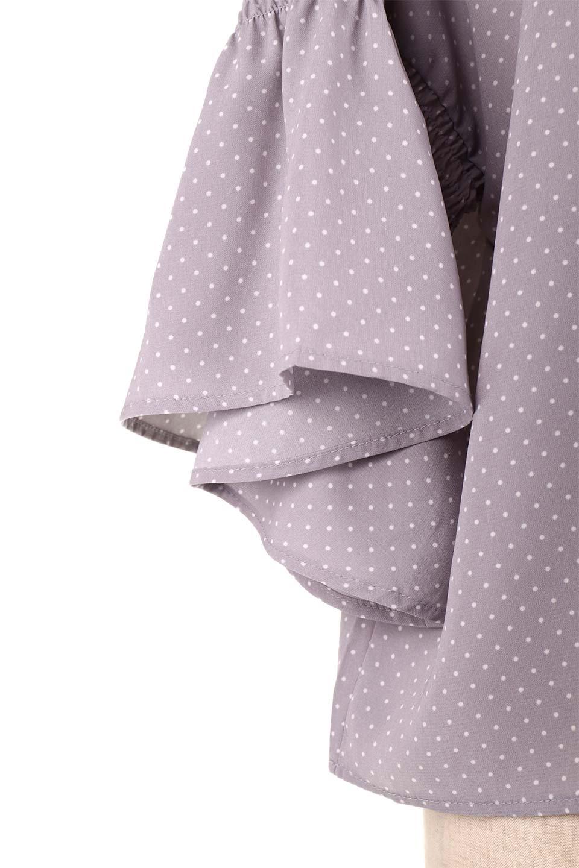 FlareSleeveDottedBlouseドットプリント・フレアスリーブブラウス大人カジュアルに最適な海外ファッションのothers(その他インポートアイテム)のトップスやシャツ・ブラウス。ヒラヒラのフレアスリーブが可愛い水玉模様のブラウス。ドットの柄が小さ目なので子供っぽくならないので人気があります。/main-23