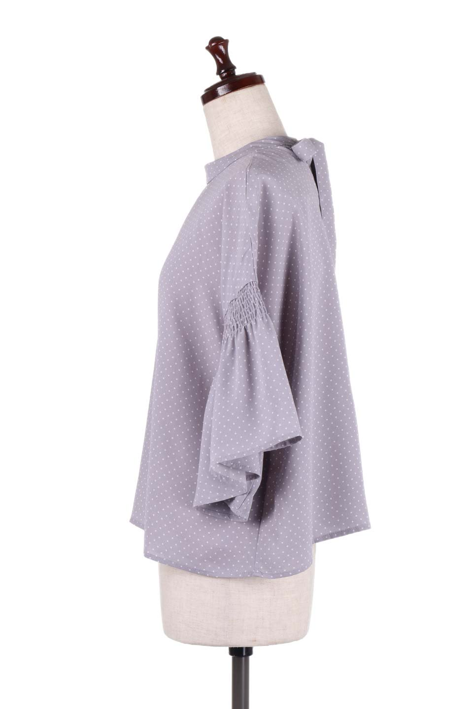 FlareSleeveDottedBlouseドットプリント・フレアスリーブブラウス大人カジュアルに最適な海外ファッションのothers(その他インポートアイテム)のトップスやシャツ・ブラウス。ヒラヒラのフレアスリーブが可愛い水玉模様のブラウス。ドットの柄が小さ目なので子供っぽくならないので人気があります。/main-7