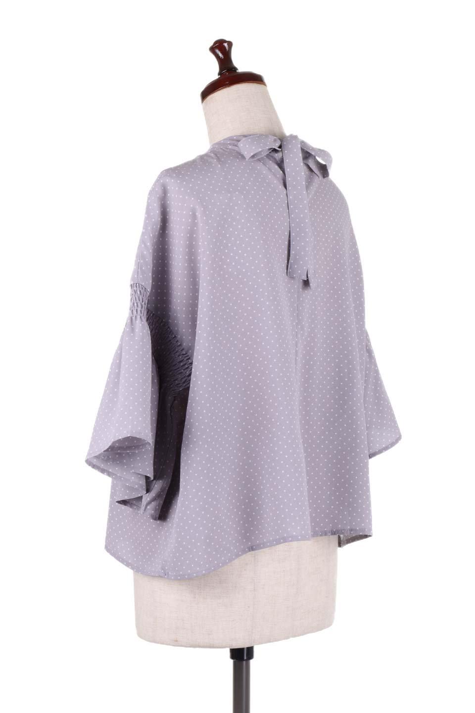 FlareSleeveDottedBlouseドットプリント・フレアスリーブブラウス大人カジュアルに最適な海外ファッションのothers(その他インポートアイテム)のトップスやシャツ・ブラウス。ヒラヒラのフレアスリーブが可愛い水玉模様のブラウス。ドットの柄が小さ目なので子供っぽくならないので人気があります。/main-8