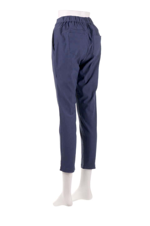 CamelliaOiledHi-StretchPants椿オイル加工・ストレッチ美脚パンツ大人カジュアルに最適な海外ファッションのothers(その他インポートアイテム)のボトムやパンツ。ソフトな風合いの椿オイル加工を施したストレッチ美脚パンツ。当店では「美脚パンツ」の愛称で大人気のパンツです。/main-13