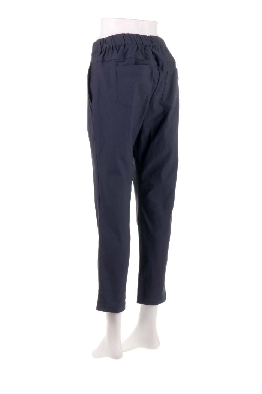 CamelliaOiledHi-StretchPants椿オイル加工・ストレッチ美脚パンツ大人カジュアルに最適な海外ファッションのothers(その他インポートアイテム)のボトムやパンツ。ソフトな風合いの椿オイル加工を施したストレッチ美脚パンツ。当店では「美脚パンツ」の愛称で大人気のパンツです。/main-18