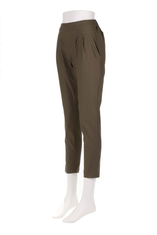 CamelliaOiledHi-StretchPants椿オイル加工・ストレッチ美脚パンツ大人カジュアルに最適な海外ファッションのothers(その他インポートアイテム)のボトムやパンツ。ソフトな風合いの椿オイル加工を施したストレッチ美脚パンツ。当店では「美脚パンツ」の愛称で大人気のパンツです。/main-31