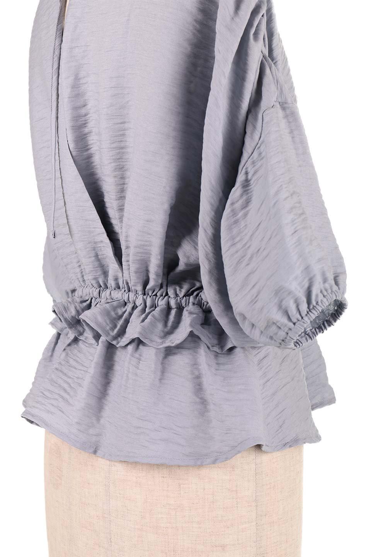 OpenBackGatherBlouse変形ドルマン・ギャザーブラウス大人カジュアルに最適な海外ファッションのothers(その他インポートアイテム)のトップスやシャツ・ブラウス。凹凸感のあるテロテロ生地が気持ち良いドルマンスリーブのブラウス。袖の部分は2段階に膨らんだ変形タイプのドルマンスリーブ。/main-25