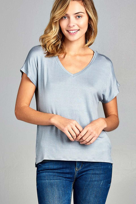 L.A.直輸入のClassicDolmanSleeveV-neckTeeドルマンスリーブ・VネックTシャツ大人カジュアルに最適な海外ファッションのothers(その他インポートアイテム)のトップスやTシャツ。シンプルなドルマンスリーブのVネックTシャツ。レーヨンのテロテロ感がとても気持ち良いトップスです。/main-37