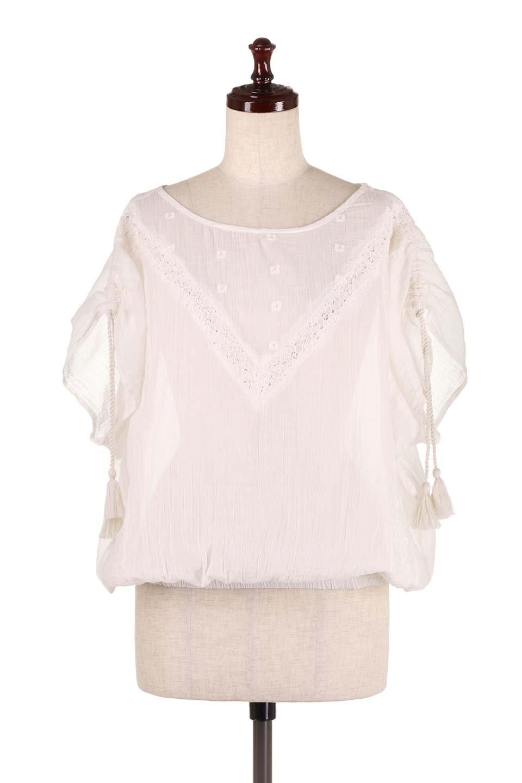 LOVESTITCHのAnyaTop(Whtie)刺繍入りコットンガーゼブラウス/海外ファッションが好きな大人カジュアルのためのLOVESTITCH(ラブステッチ)のトップスやシャツ・ブラウス。ボヘミアンテイストのショート丈コットンガーゼブラウス。ガーゼの透け感が上品で夏らしいアイテム。