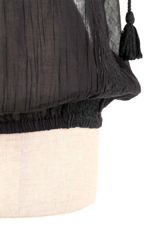 LOVESTITCHのAnyaTop(Whtie)刺繍入りコットンガーゼブラウス/海外ファッションが好きな大人カジュアルのためのLOVESTITCH(ラブステッチ)のトップスやシャツ・ブラウス。ボヘミアンテイストのショート丈コットンガーゼブラウス。ガーゼの透け感が上品で夏らしいアイテム。/main-17