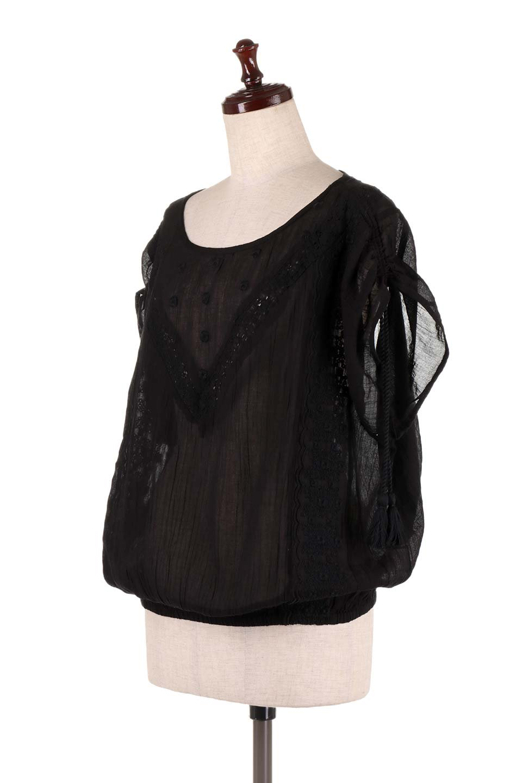 LOVESTITCHのAnyaTop(Black)刺繍入りコットンガーゼブラウス/海外ファッションが好きな大人カジュアルのためのLOVESTITCH(ラブステッチ)のトップスやシャツ・ブラウス。ボヘミアンテイストのショート丈コットンガーゼブラウス。ガーゼの透け感が上品で夏らしいアイテム。/main-1